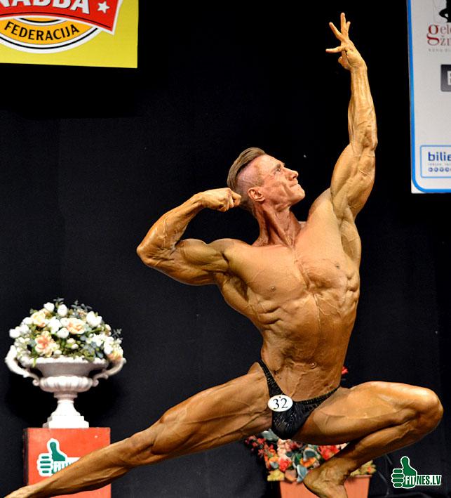 http://img.fitnes.lv/2/bodybuilding_209_0181.jpg