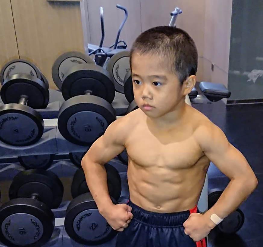 http://img.fitnes.lv/2/bodybuilding_278992.jpg