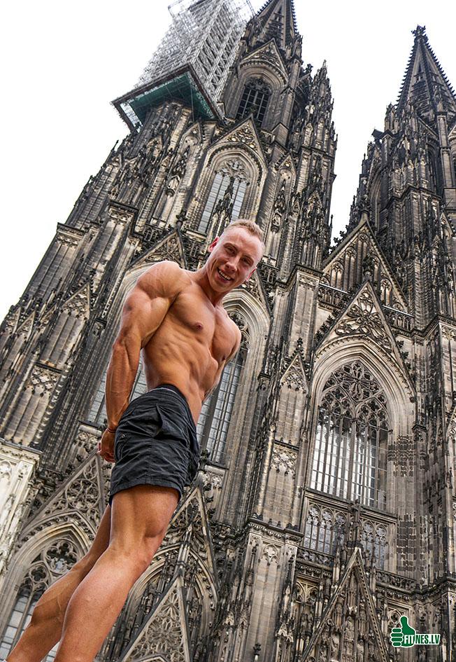 http://img.fitnes.lv/2/bodybuilding_29383_2432.jpg