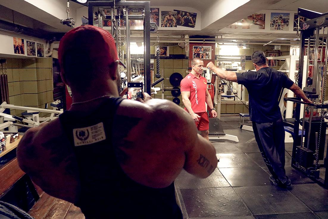 http://img.fitnes.lv/2/bodybuilding_3808475_8235.jpg
