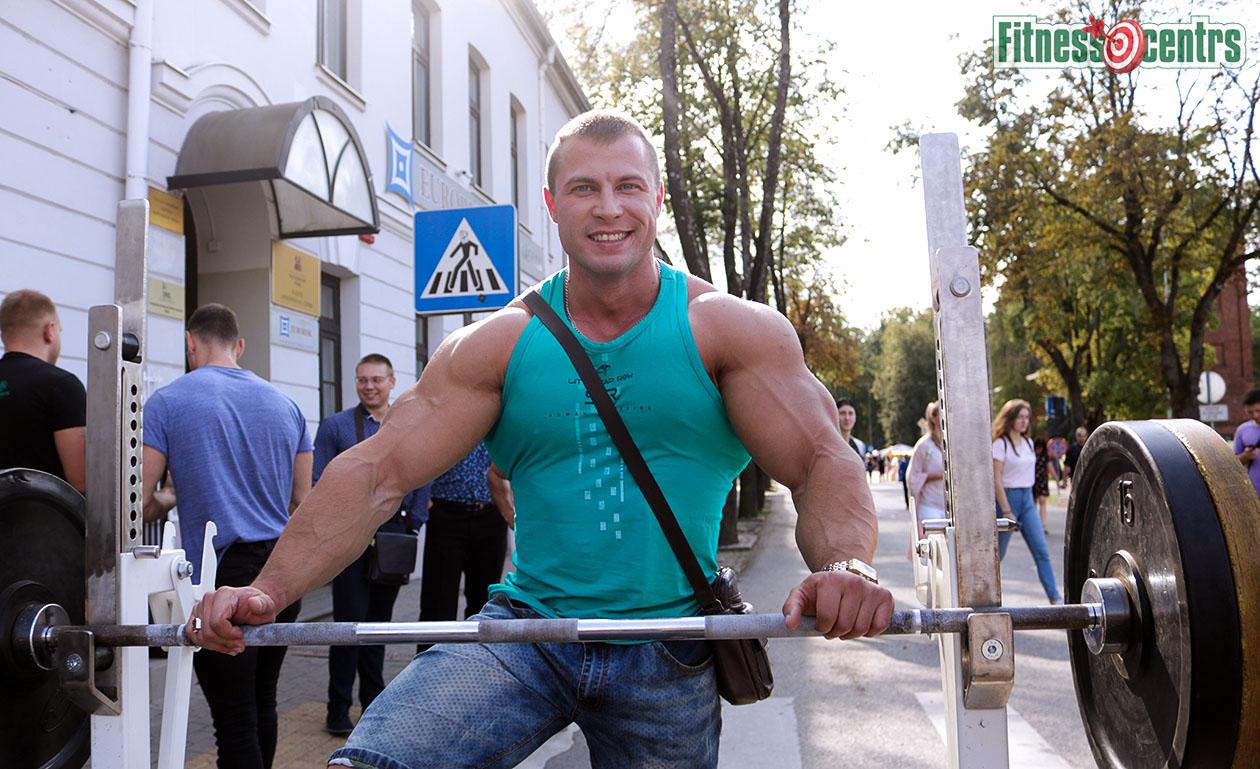 http://img.fitnes.lv/2/bodybuilding_3829292911_7289.jpg
