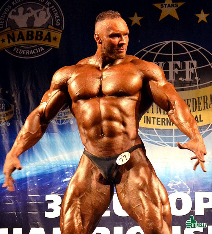 http://img.fitnes.lv/2/bodybuilding_Aivars_0404.jpg