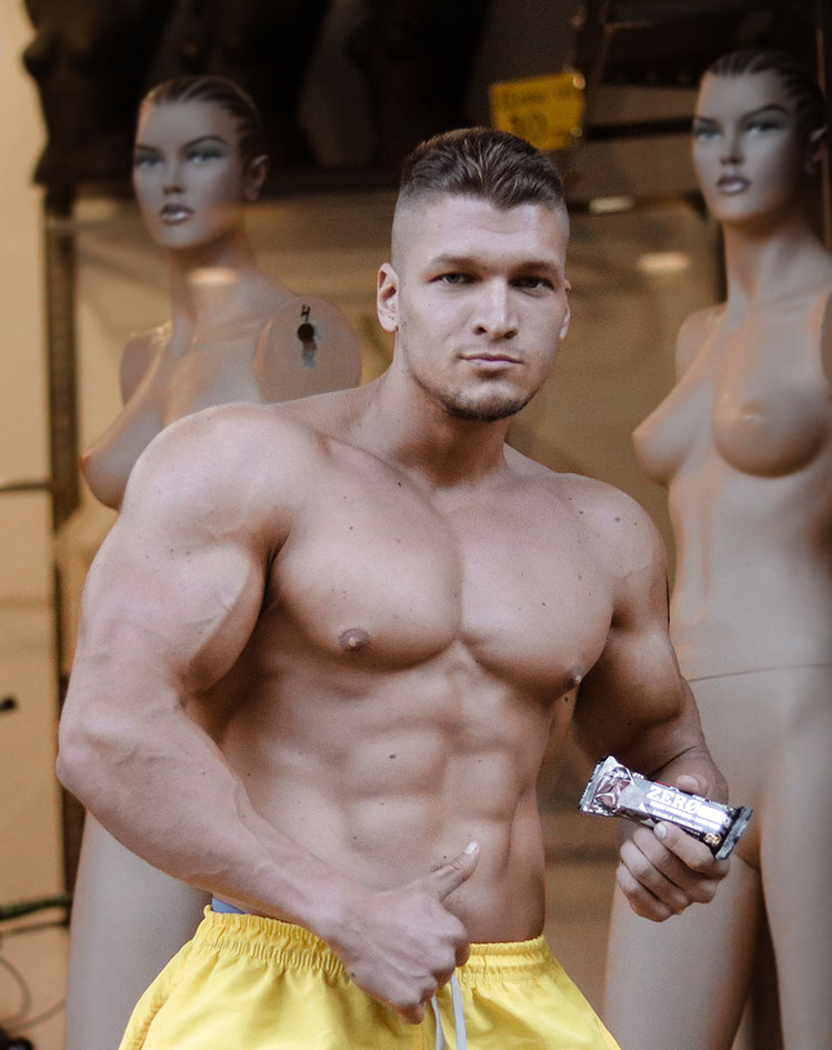 http://img.fitnes.lv/2/bodybuilding_Latvia_1782891_1827.jpg
