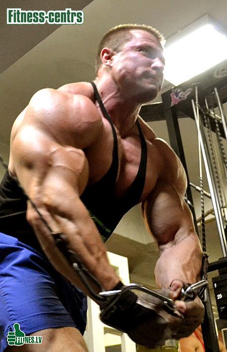 http://img.fitnes.lv/2/bodybuilding_Latvia_378_0239.jpg