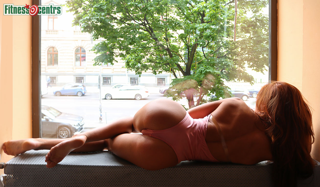 http://img.fitnes.lv/2/bottom_fitness_girls_2884_8436.jpg