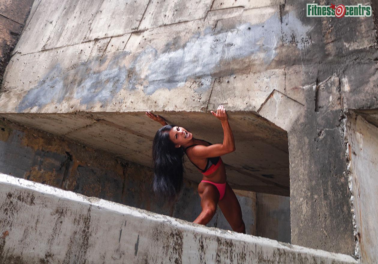 http://img.fitnes.lv/2/concrete_iron_girl_367293__2654.jpg