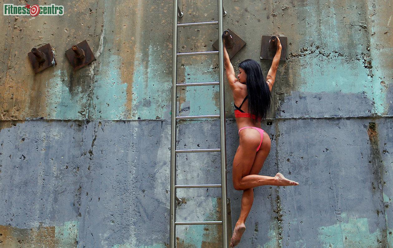 http://img.fitnes.lv/2/concrete_iron_girl_367293__2727.jpg