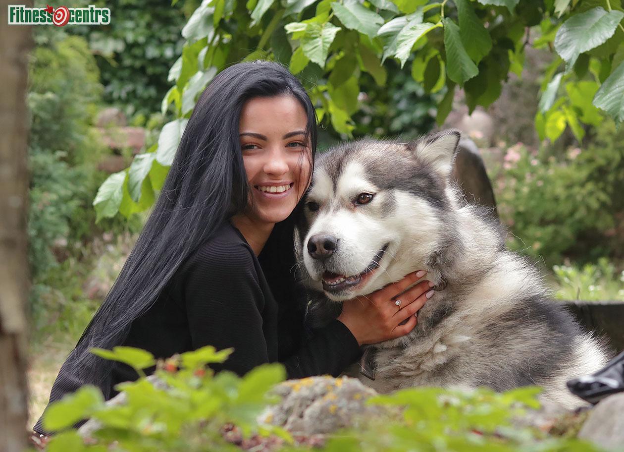 http://img.fitnes.lv/2/dog_girl_28920_4808.jpg