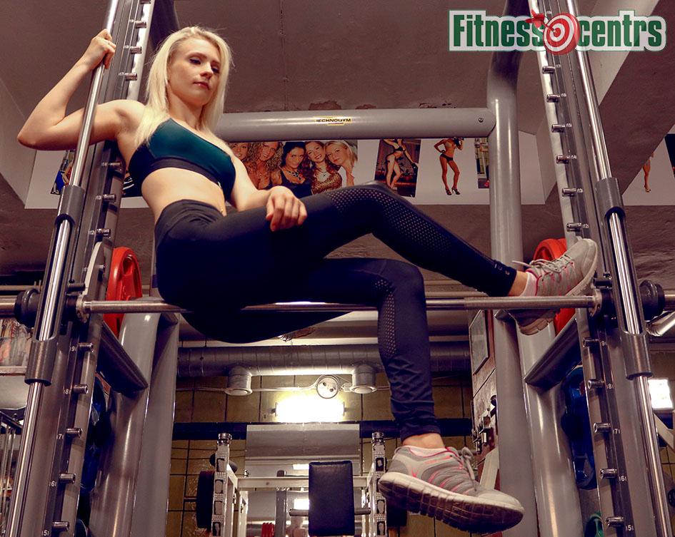 http://img.fitnes.lv/2/fitness_girls_3993876713_2595.jpg