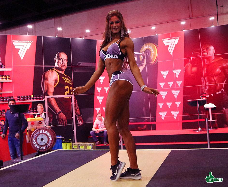 http://img.fitnes.lv/2/fitness_girls_3997_7023.jpg