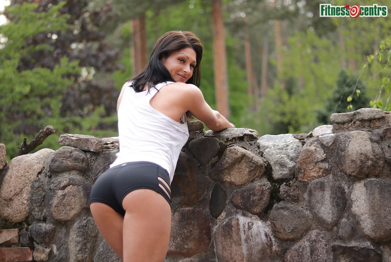 http://img.fitnes.lv/2/fitness_girls_73885775_2482.jpg