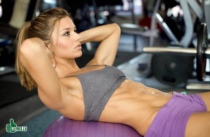 http://img.fitnes.lv/2/fitness_girls_9276782.jpg