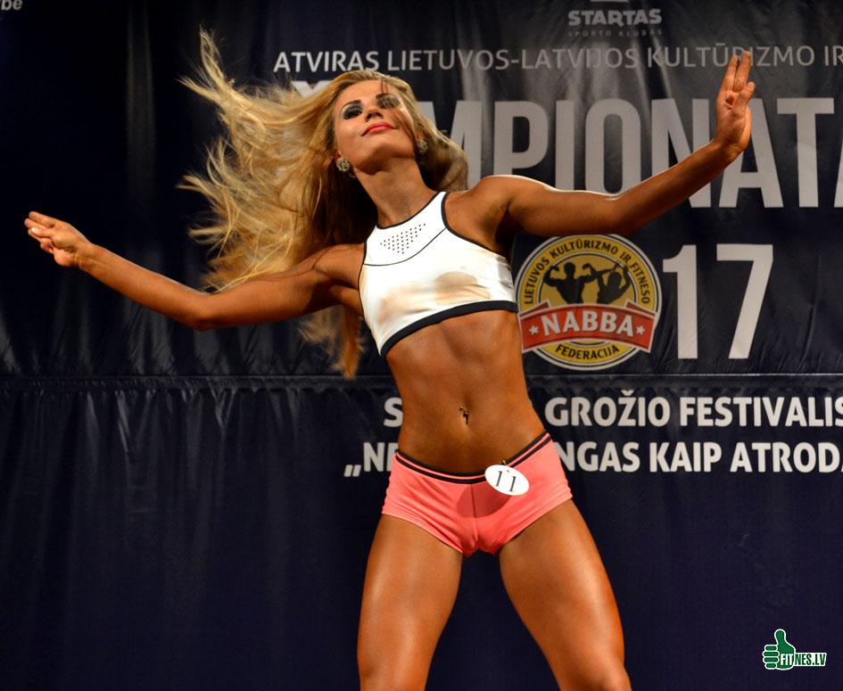 http://img.fitnes.lv/2/fitness_model_89_0142.jpg