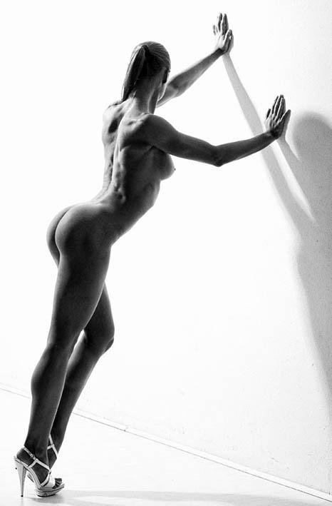 http://img.fitnes.lv/2/fitness_nude_3893492.jpg