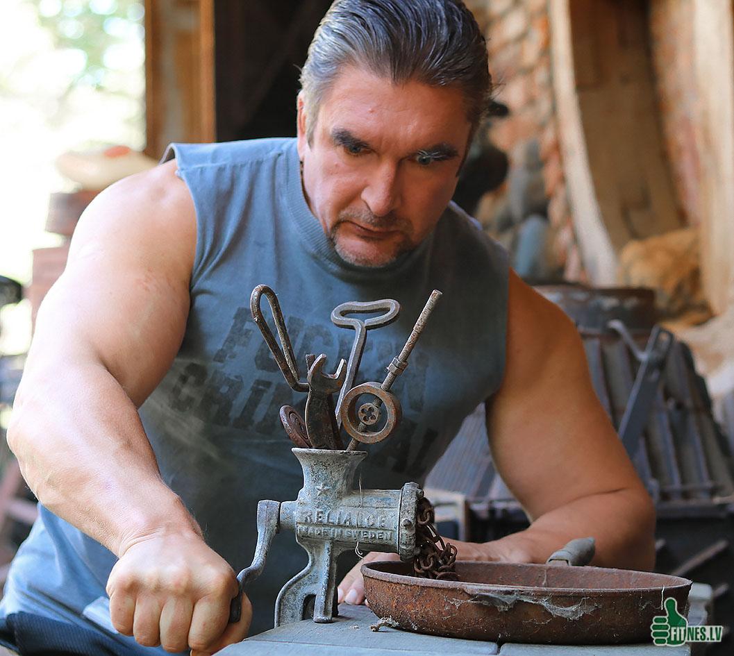 http://img.fitnes.lv/2/humour_bodybuilding_67788987667.jpg