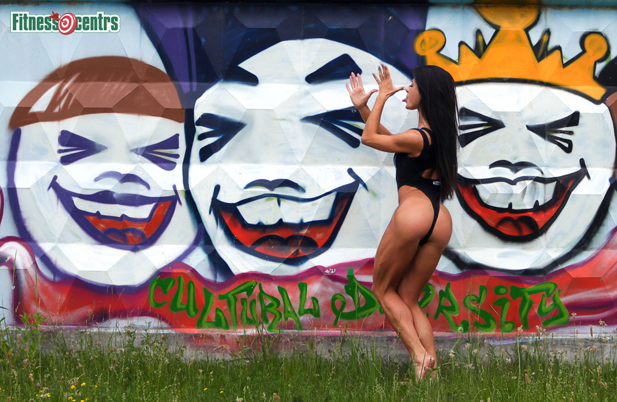 http://img.fitnes.lv/2/humour_fitness_babes_photo_289293_0758.jpg