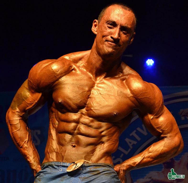 http://img.fitnes.lv/2/men_model_0442.jpg