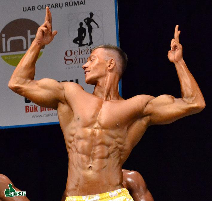 http://img.fitnes.lv/2/mens_models_fitness_0034.jpg