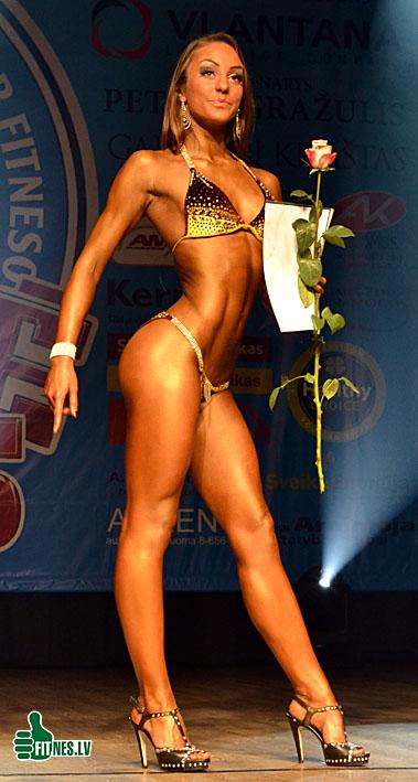 http://img.fitnes.lv/2/miss_bikini_0473.jpg