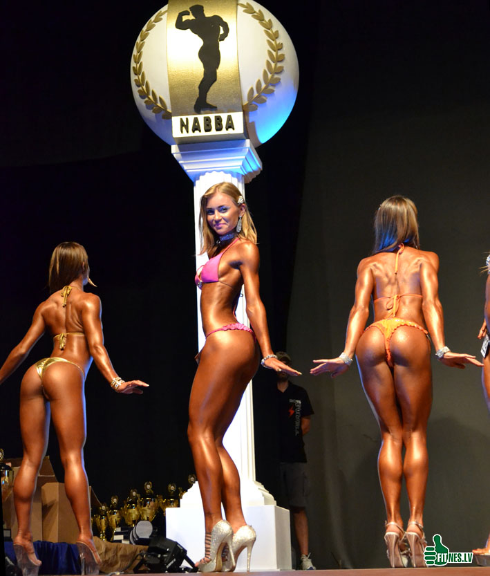 http://img.fitnes.lv/2/miss_bikini_0577.jpg