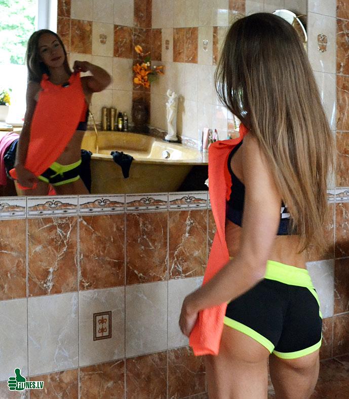 http://img.fitnes.lv/2/miss_bikini_36782_0581.jpg
