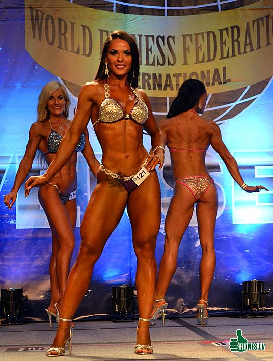 http://img.fitnes.lv/2/miss_bikini_universe_0010.jpg