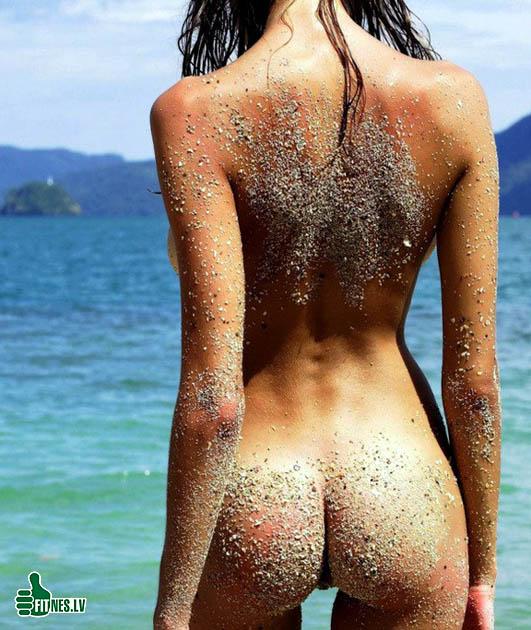http://img.fitnes.lv/2/nude_beach_90221153.jpg