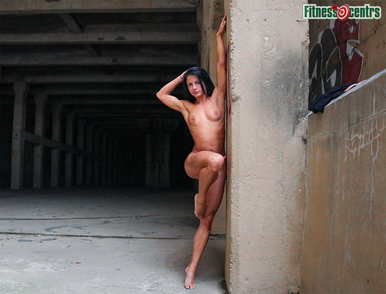 http://img.fitnes.lv/2/nude_bikini_girls_27893_3690_3.jpg