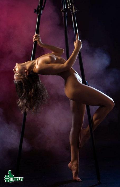 http://img.fitnes.lv/2/nude_girls_98279300.jpg