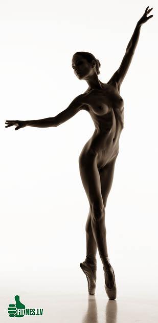 http://img.fitnes.lv/2/nude_sport_girls_2938098.jpg