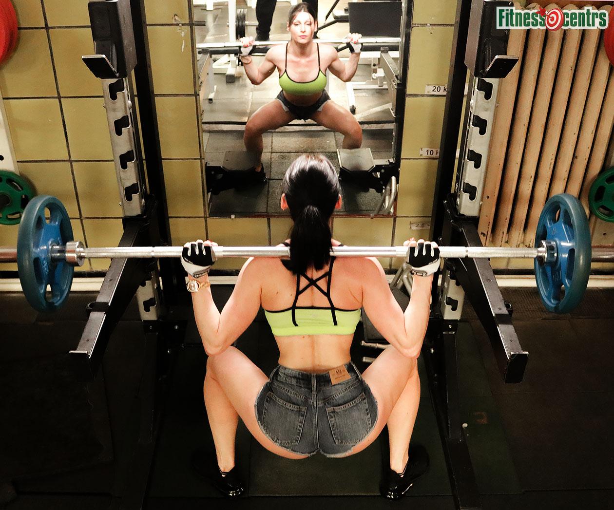 http://img.fitnes.lv/2/powerlifting-78188383_8216.jpg