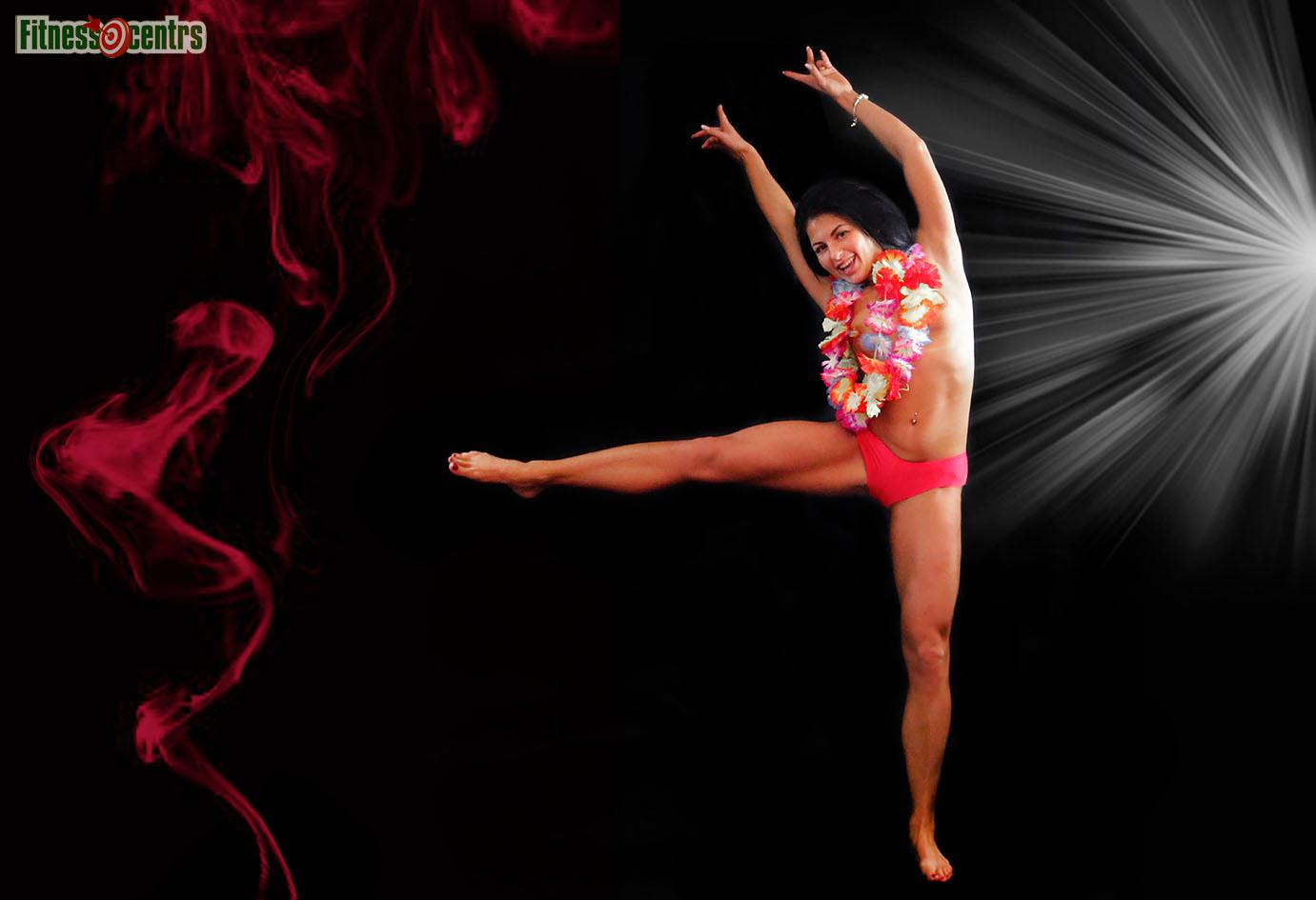 http://img.fitnes.lv/2/red_black_girl_278393-2.jpg