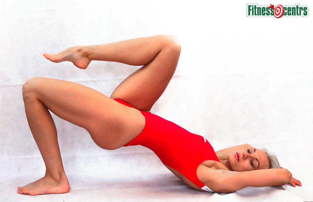 http://img.fitnes.lv/2/red_girls_278943_6656.jpg