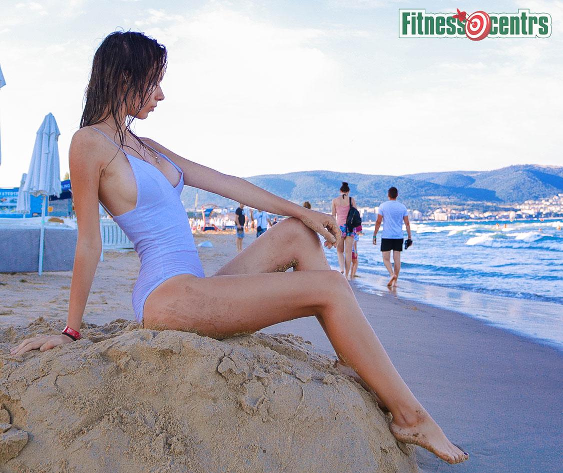 http://img.fitnes.lv/2/sexy_beach_babes_378272.jpg