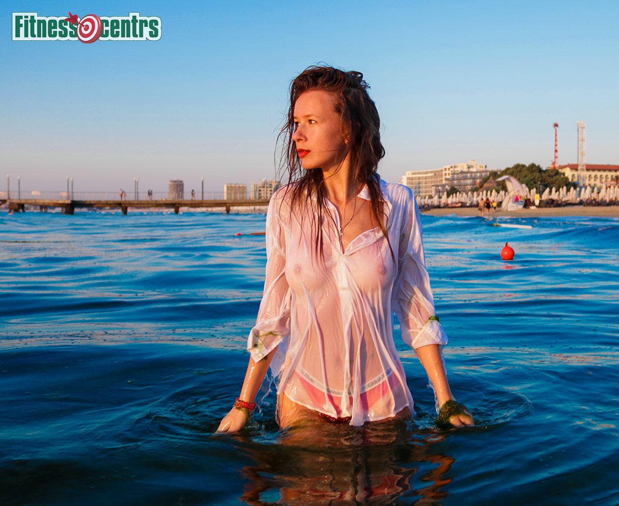 http://img.fitnes.lv/2/sexy_beach_girls_378655433713.jpg