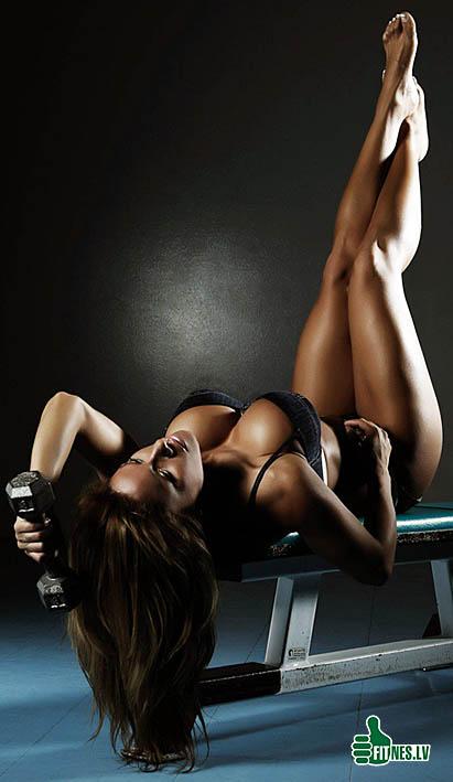 http://img.fitnes.lv/2/sexy_fitness_girl_376282999.jpg