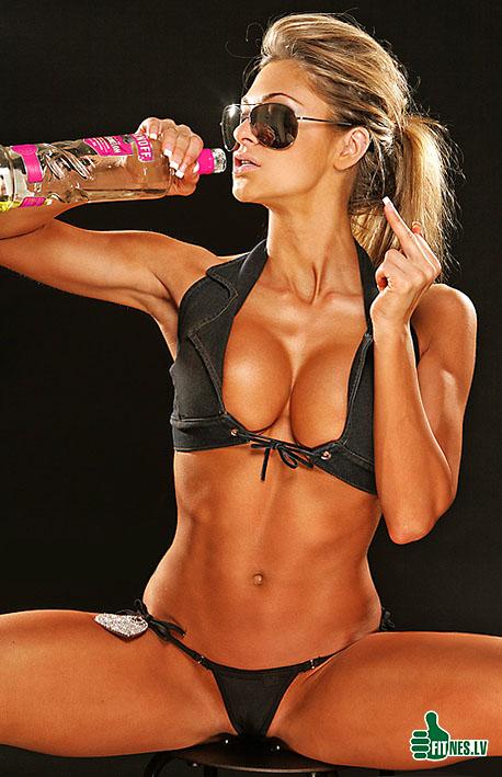 http://img.fitnes.lv/2/sexy_fitness_girls_3511217.jpg