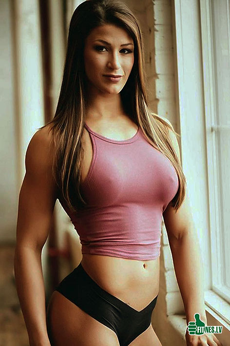 http://img.fitnes.lv/2/sexy_muscle_girls_46892582.jpg