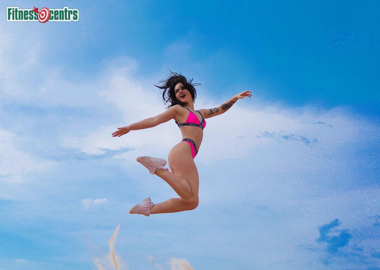 http://img.fitnes.lv/2/sky_fitness_babes_728292_9847.jpg