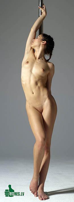 http://img.fitnes.lv/2/striptiz_03982794.jpg