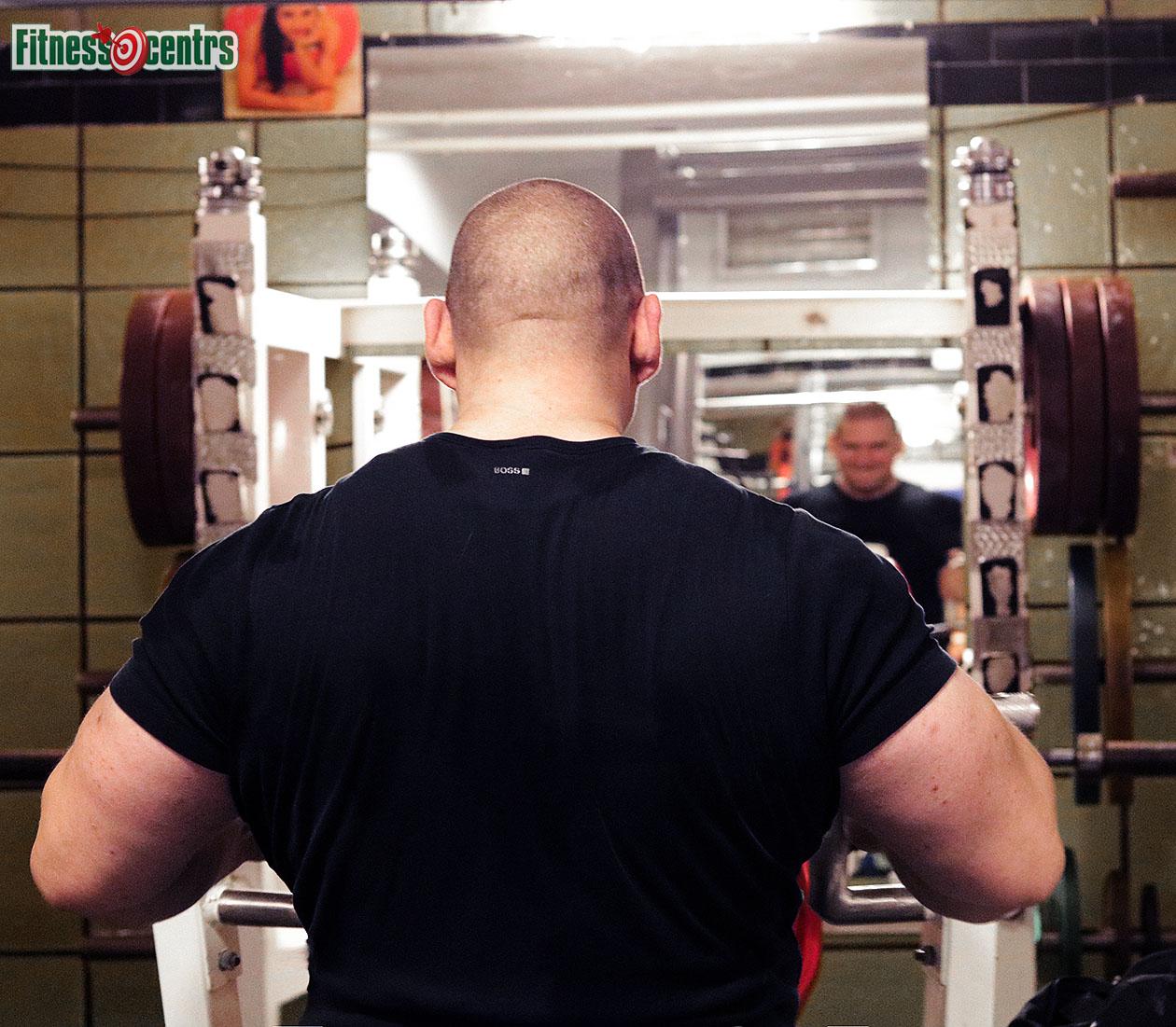 http://img.fitnes.lv/2/strong_man_27983_9522.jpg