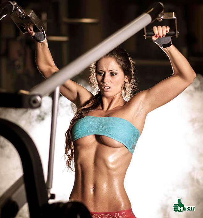 http://img.fitnes.lv/2/training_fitness_babes_470913.jpg