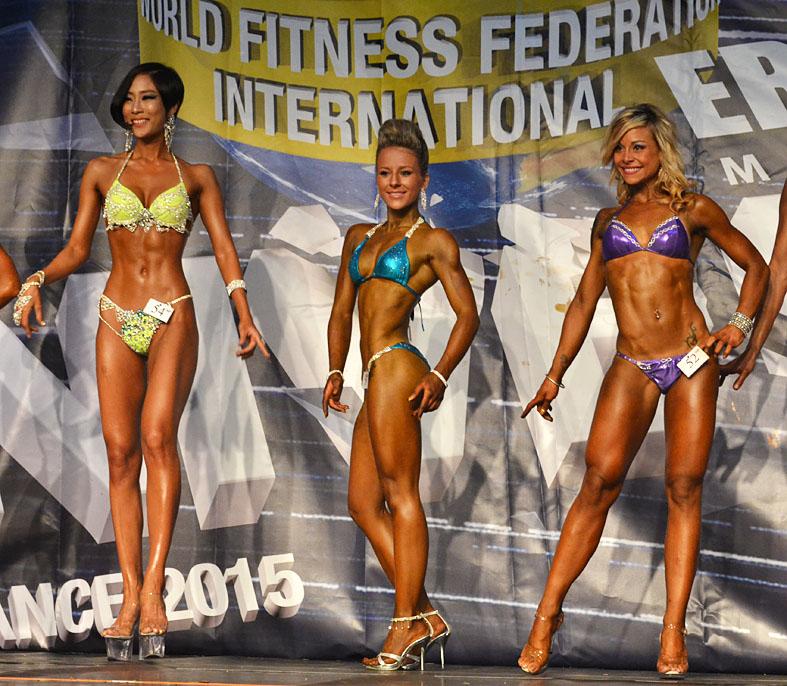 http://img.fitnes.lv/2/women_sports_model_0525.jpg