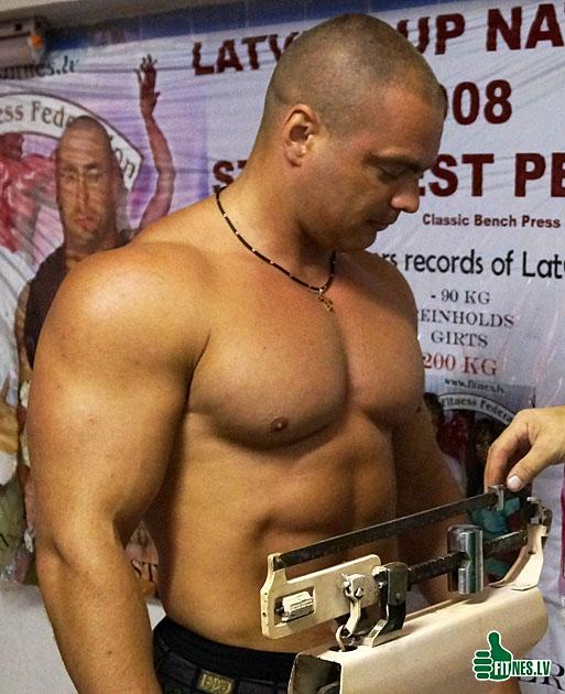 http://img.fitnes.lv/Edgars_Ratnieks_481092.jpg