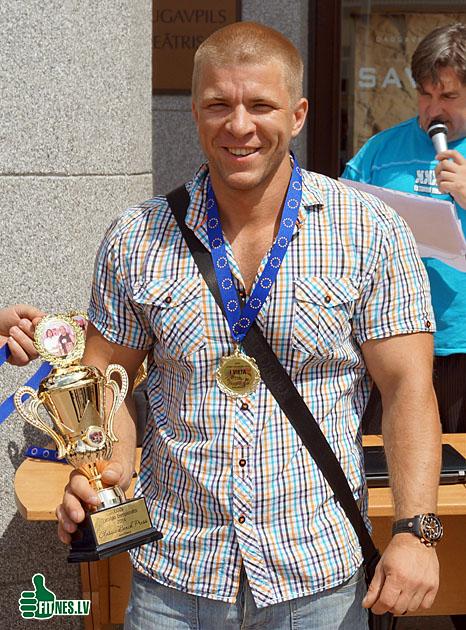 http://img.fitnes.lv/Letlans_Vjaceslav_57892.jpg