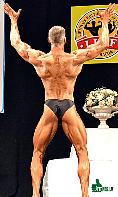 http://img.fitnes.lv/Man_fitness_48013.jpg
