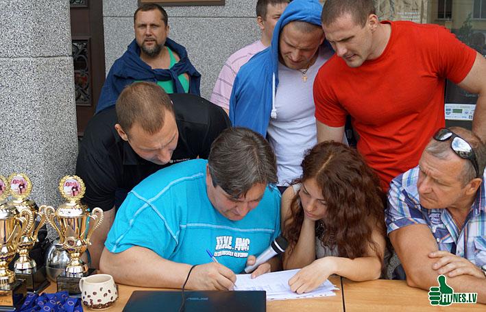 http://img.fitnes.lv/Olegs_Burinskis_371032.jpg