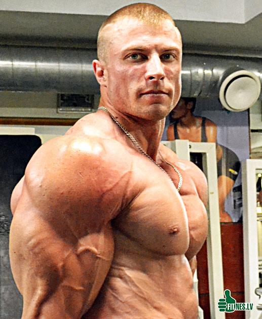 http://img.fitnes.lv/Romanov_bodybuilder_35198.jpg