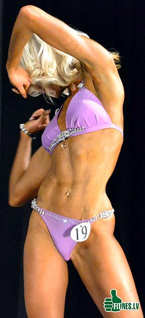http://img.fitnes.lv/bikini_dance_0154.jpg