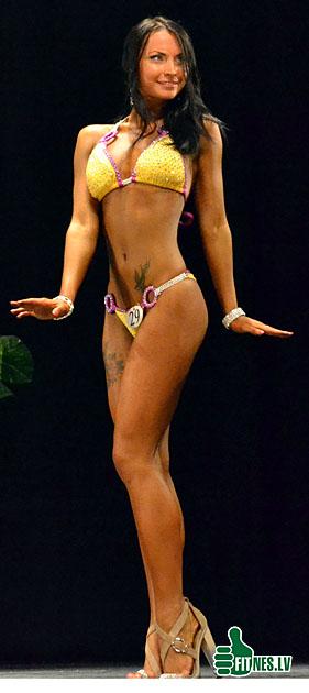 http://img.fitnes.lv/bikini_girls_0265.jpg